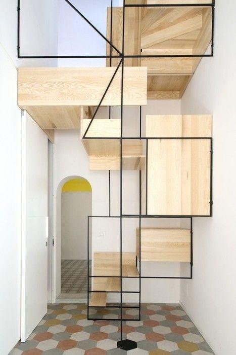 escalier rangement pas japonais pour la petite surface de cet appartement parisien. Black Bedroom Furniture Sets. Home Design Ideas