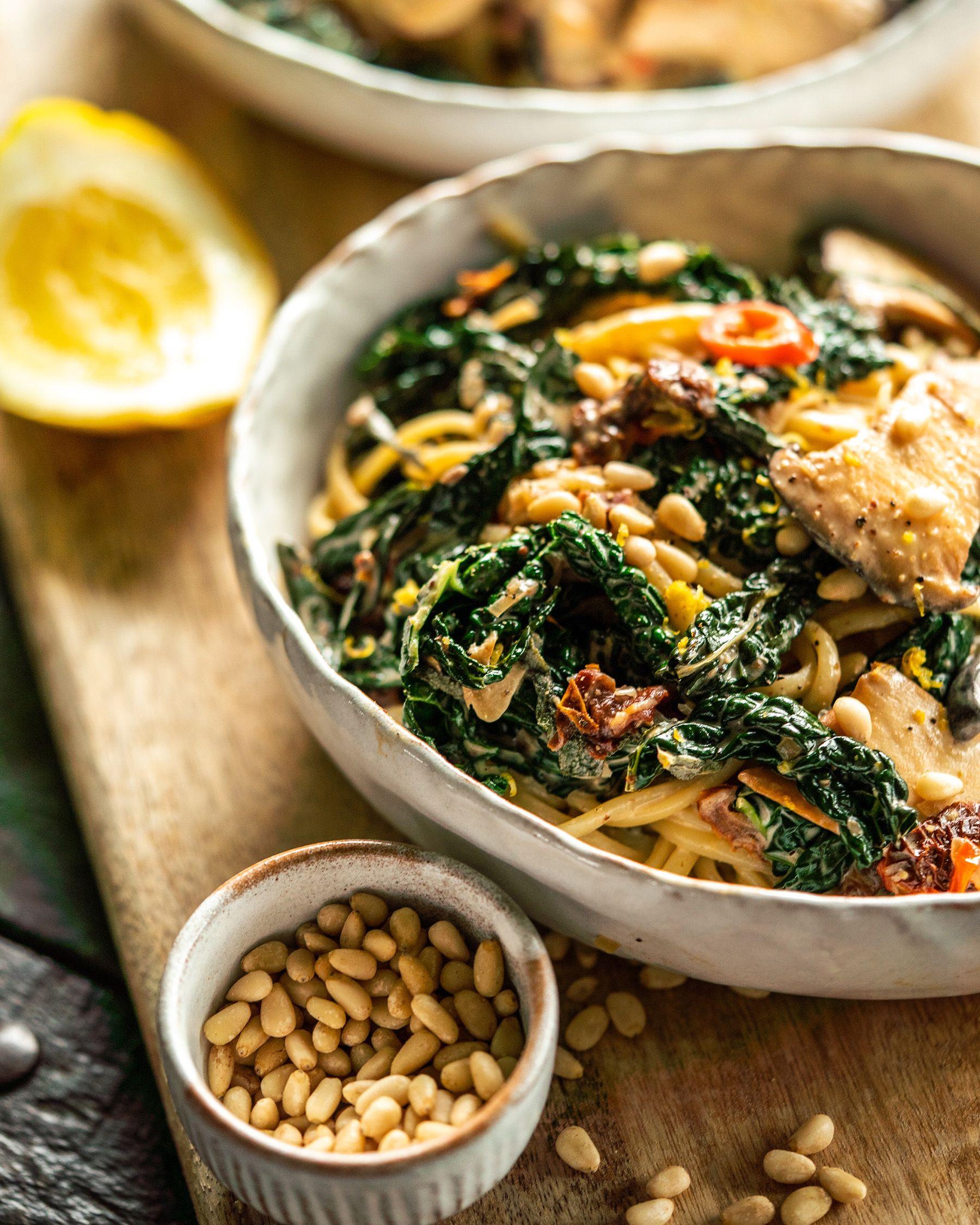 Creamy King Oyster Mushroom Pasta Avant Garde Vegan In 2020 Mushroom Pasta Stuffed Mushrooms Vegan Lunch Recipes