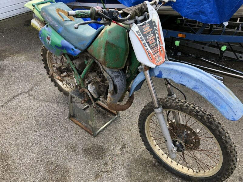 Kawasaki Kdx 125 Kmx Barn Find Spares Repair Field Bike Scrambler Project Thecustommotorcycle Co Uk Cafe Racer Cafe Racer Build Norton Cafe Racer