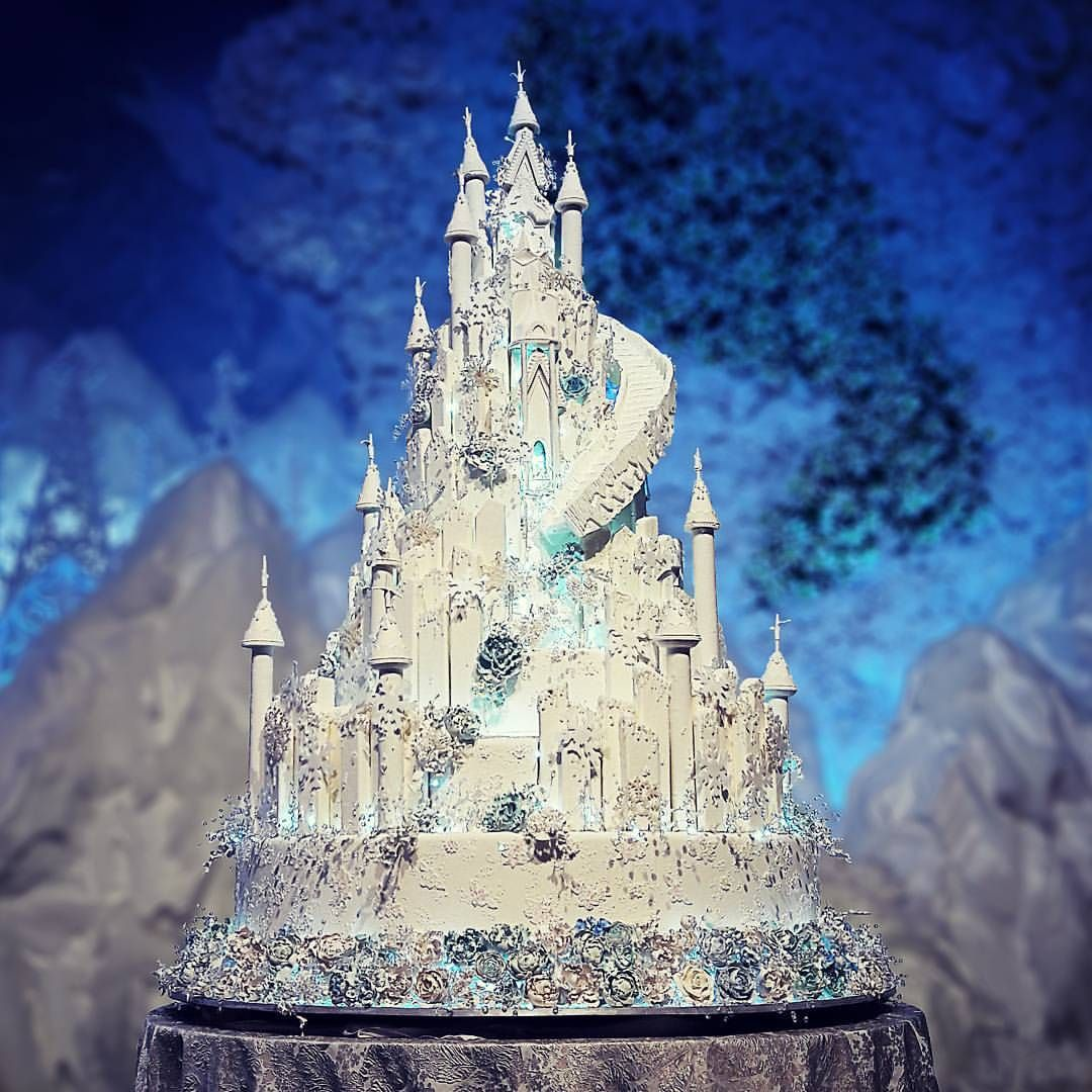 Ice Castle Wedding Cake For #ekocynthia 😍😍😍 #lenovelle