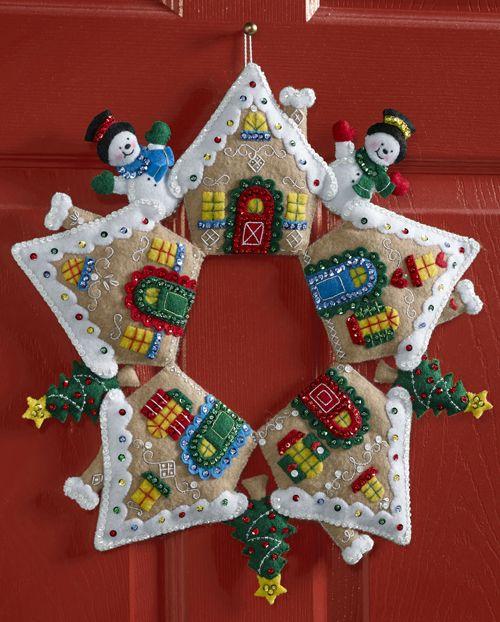 Gingerbread house bucilla wreath kit felt2 pinterest for Idee deco kot