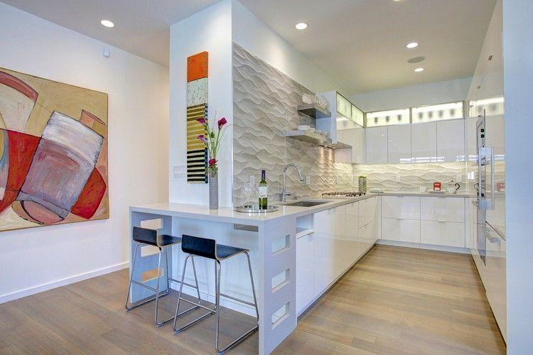 interesting cuisine en u blanche avec bar et panneaux. Black Bedroom Furniture Sets. Home Design Ideas