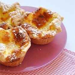 This is a quick, tiny and beautiful dessert that can be served any time of year.
