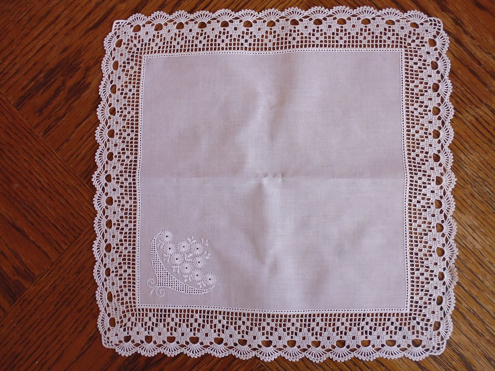 Ravelry: Handkerchief / hanky with filet edging by Doris Weide ...