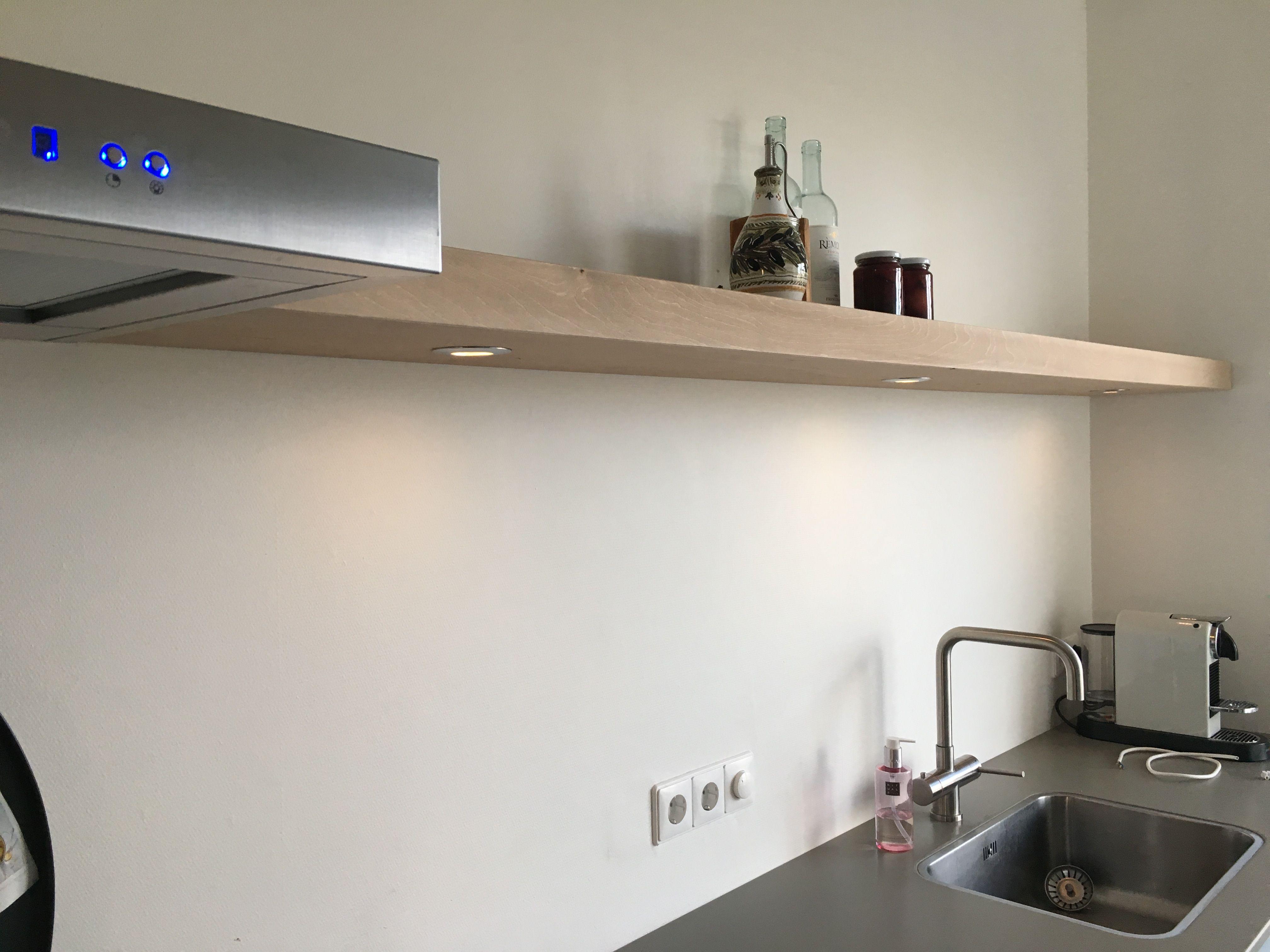 Wandplank Met Verlichting Keuken.Wandplank Met Verlichting Voor In De Keuken Www Zuilenopmaat Nl