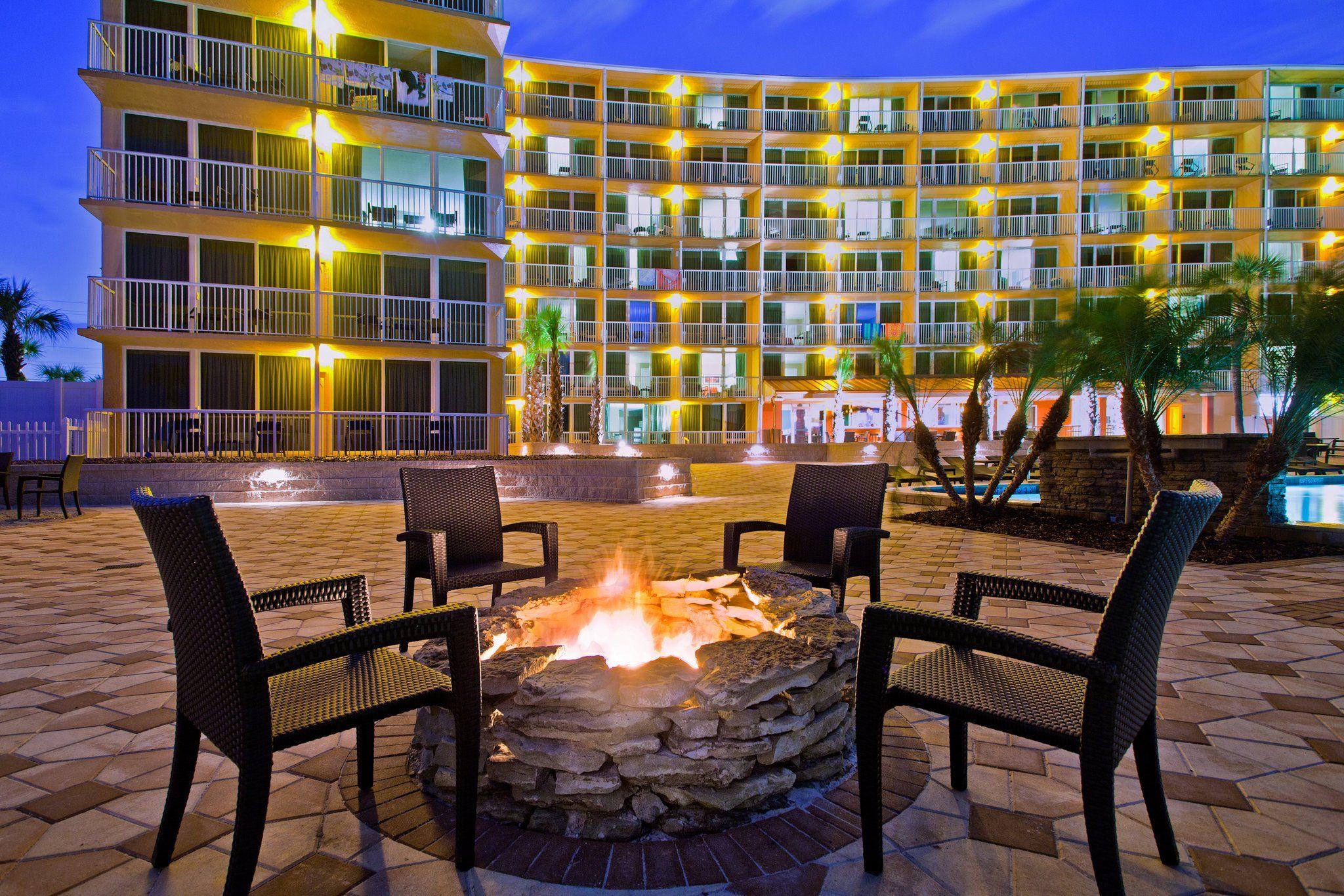 Relax, enjoy, unwind and rejuvenate in Daytona Beach, Folrida!