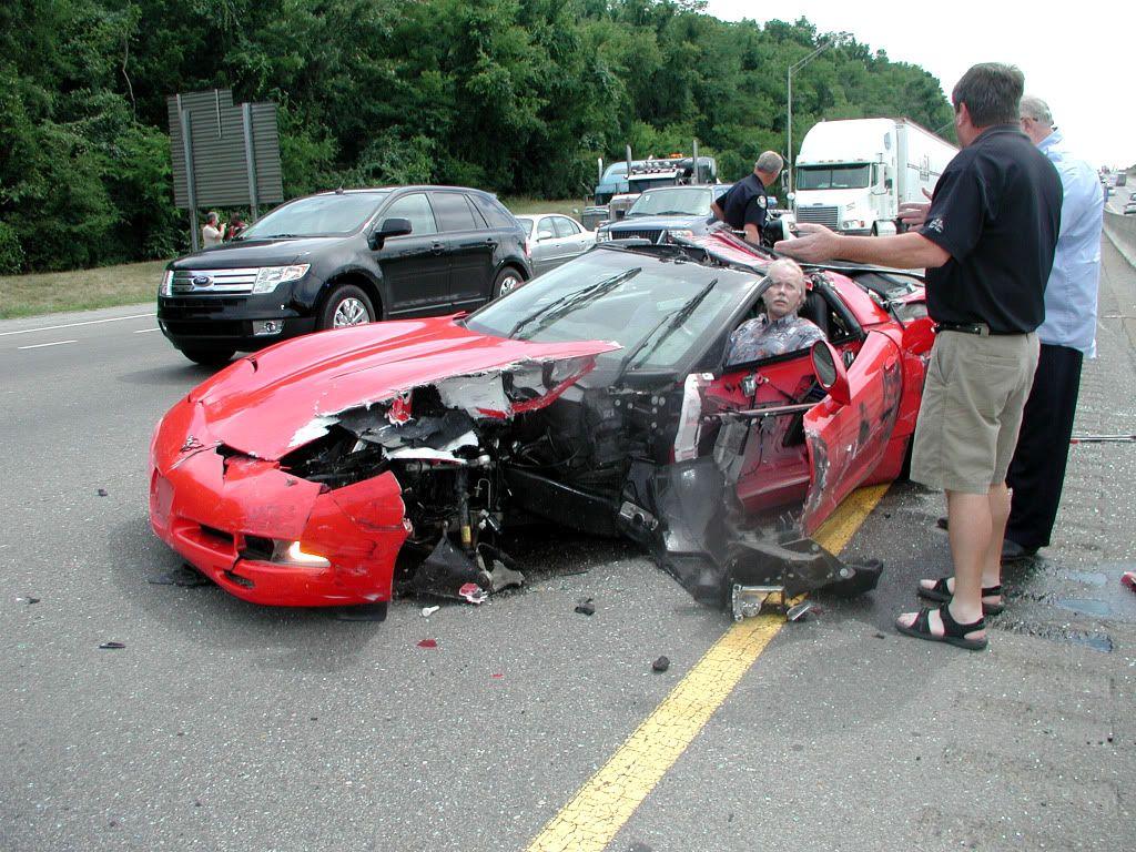 Motorcycle hits semi truck strange accident 31 12 2012 youtube - Motorcycle Hits Semi Truck Strange Accident 31 12 2012 Youtube 58
