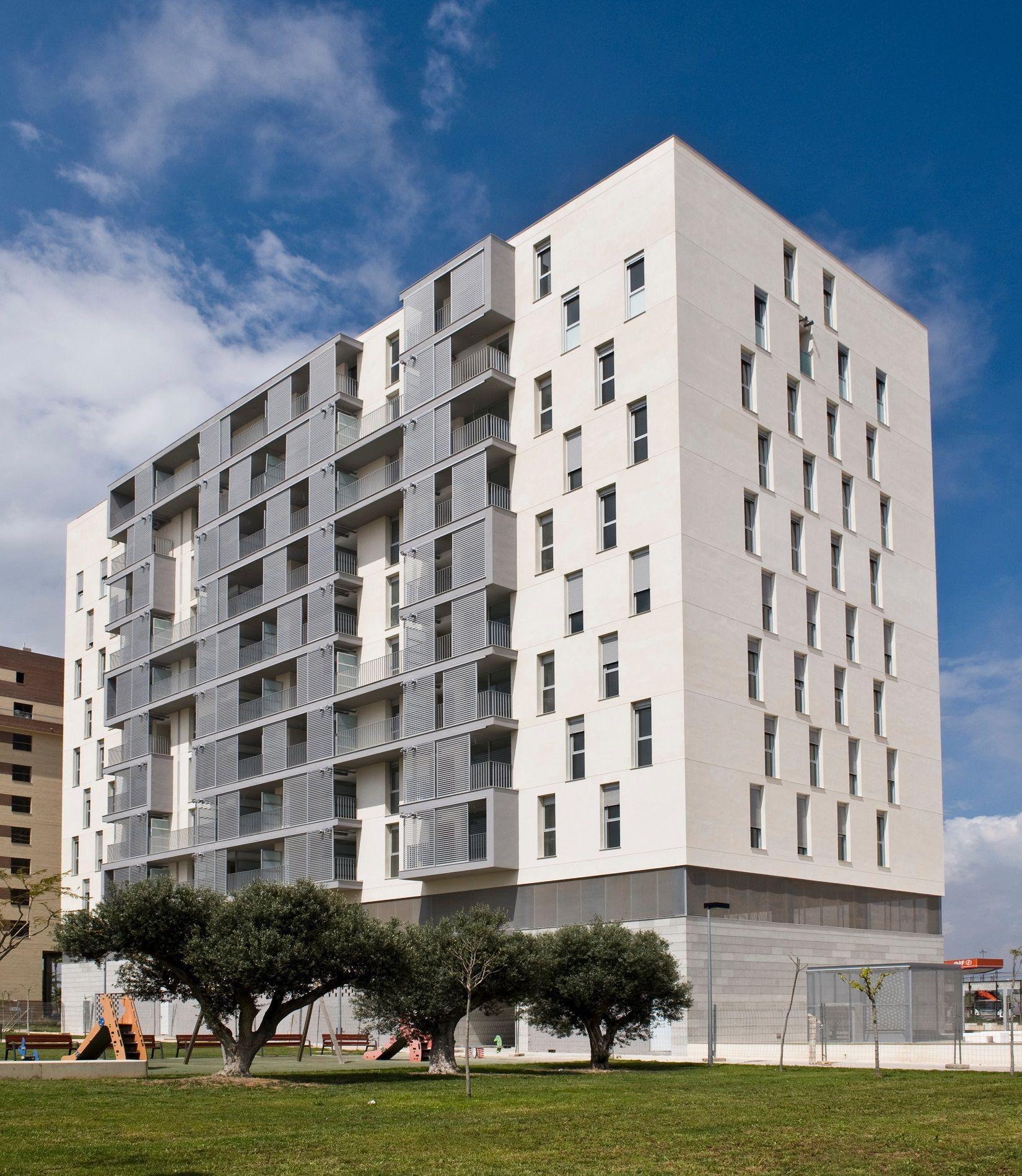 Exterior moderno edificios via planreforma fachada for Exterior edificios