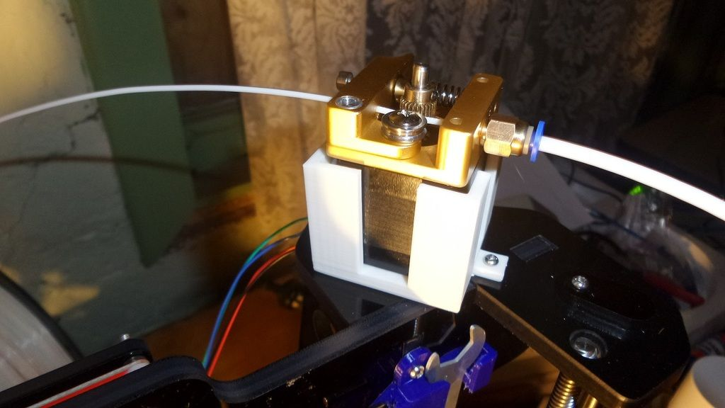 Bowden+Motor+Mount+for+Anet+A8+by+cehbab  | 3D printing / CNC