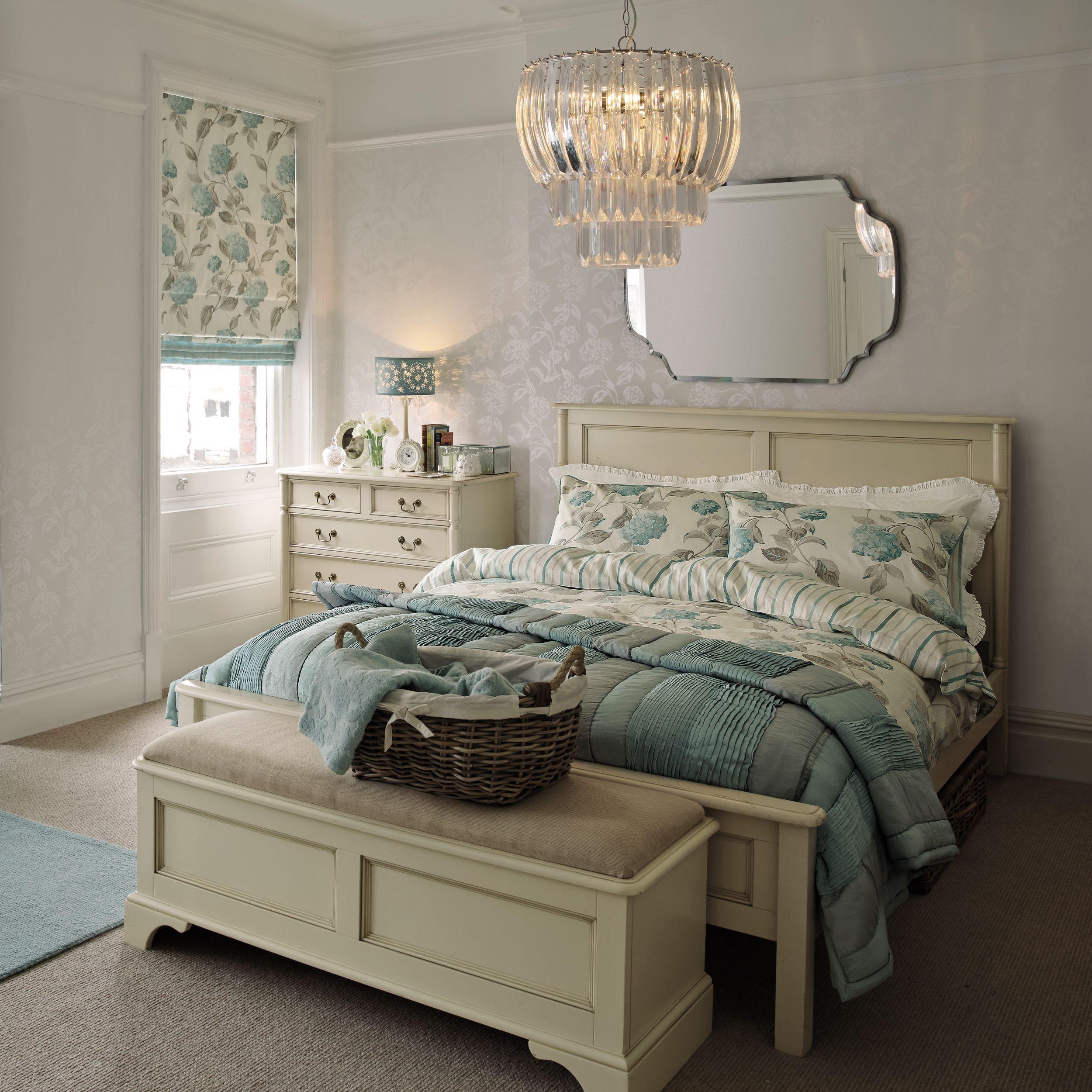 Laura Ashley Wallpaper Bedroom Hesta White Floral Wallpaper Girls Room Pinterest Floral