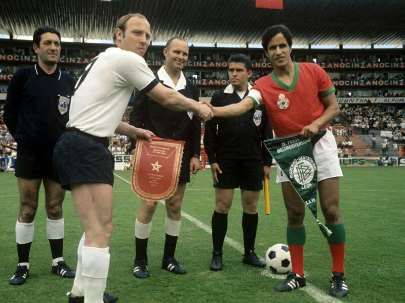 West Germany 2 Morocco 1 In 1970 In Leon The Two Captains Uwe Seeler And Driss Bamous Meet Before The Group C Clash Worldc World Cup Sport Icon Gerd Muller