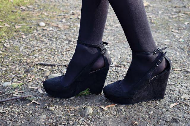 Our way of fashion: Nasz sposób na ... khaki II #fetishpantyhose #pantyhosefetish #legs #heels #blogger #stiletto #pantyhose #collant #black