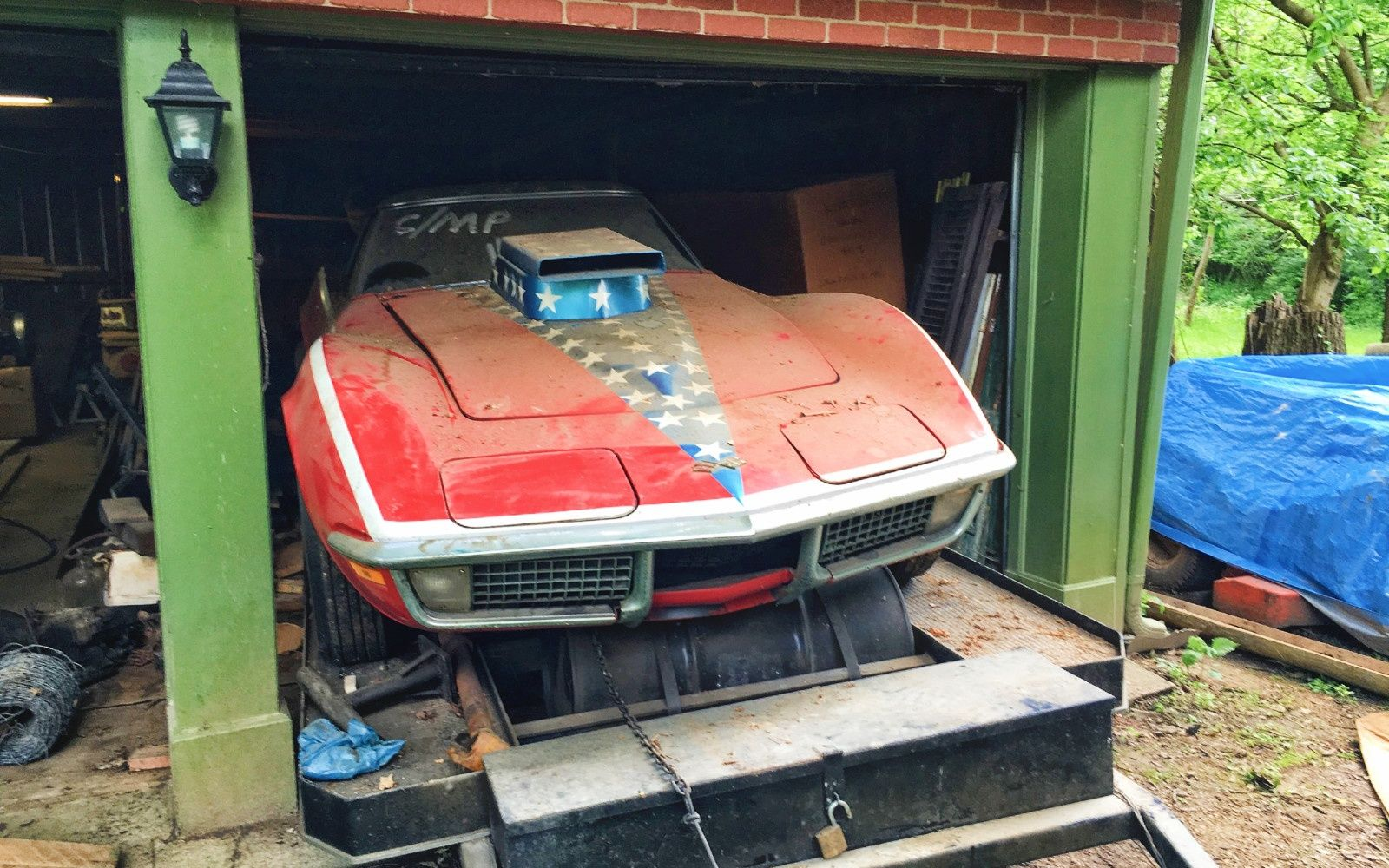 Incredible Corvette Found Buried In A Garage Barn Finds Barn Find Cars Abandoned Cars