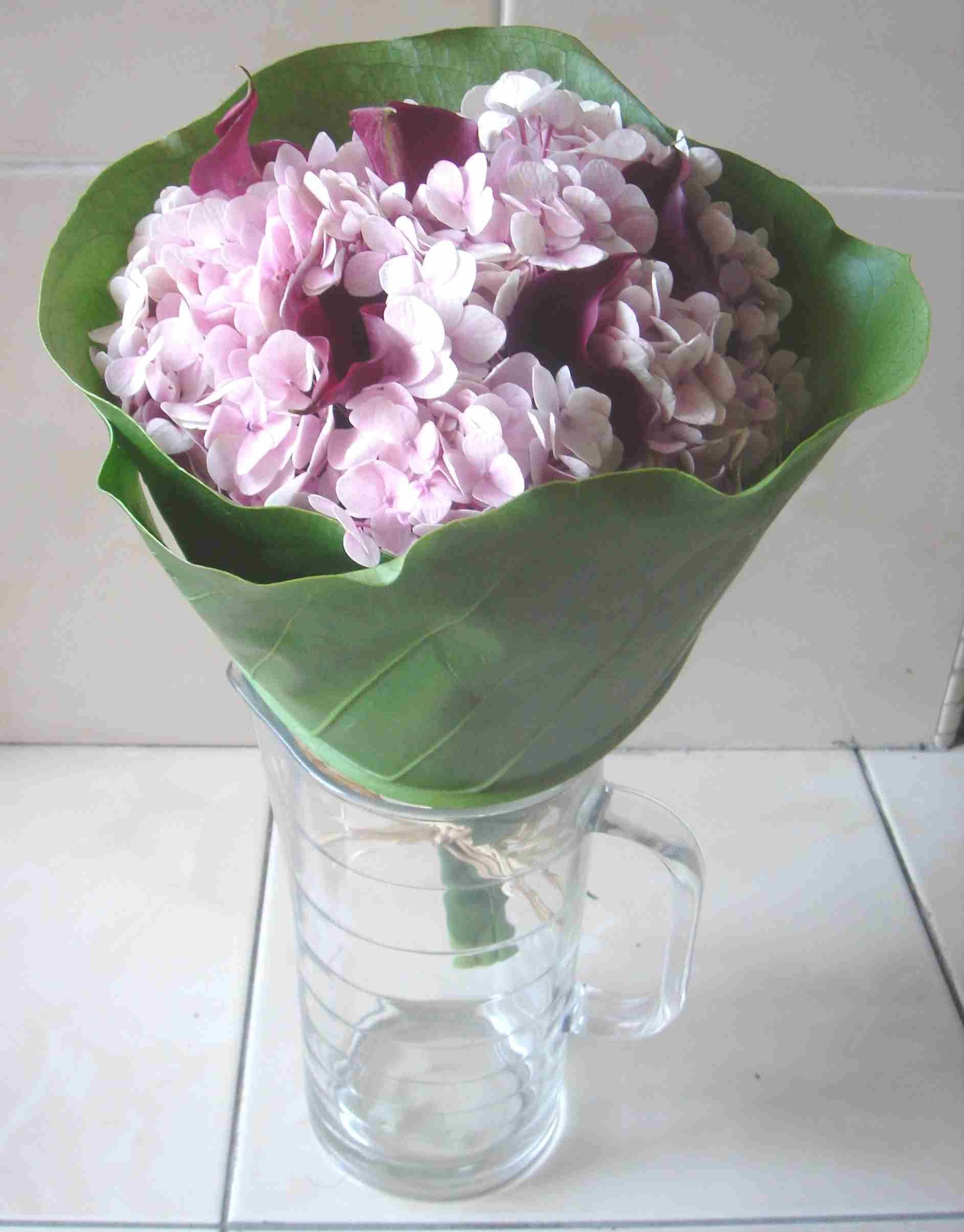 Diy briadal flower bouquets diy wedding flowers diy burgundy calla diy briadal flower bouquets diy wedding flowers diy burgundy calla lilies hand tied bouquet izmirmasajfo