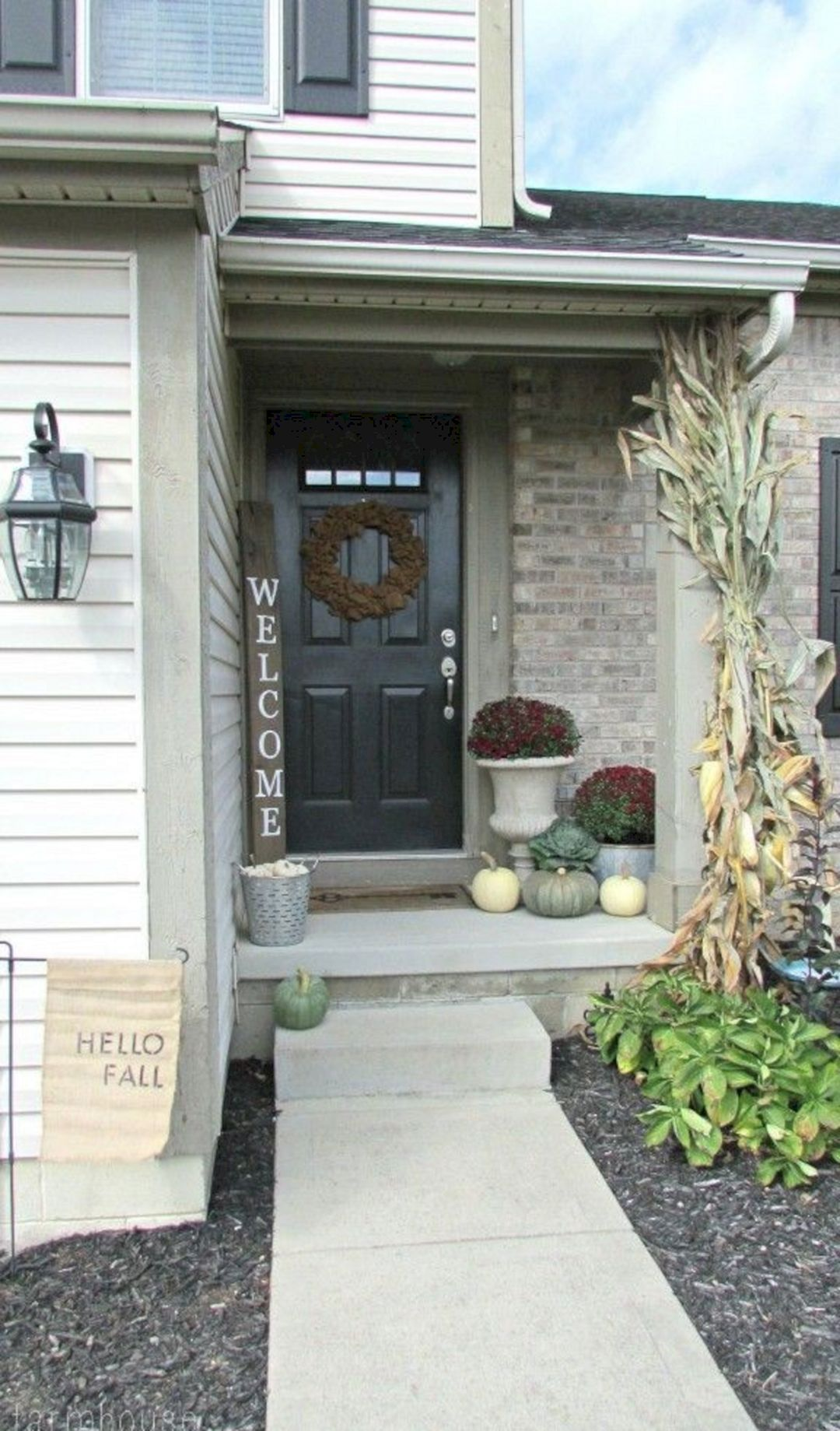 Sublime 25 Gorgeous Fall Decorating Ideas Small Front Porch Https Decoredo Com 21245 25 Gorgeous Front Porch Decorating Small Porches Farmhouse Front Porches