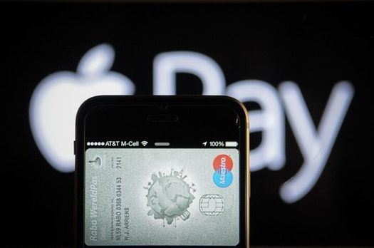 Zahlen per Smartphone Paypal beliebter als Apple Pay
