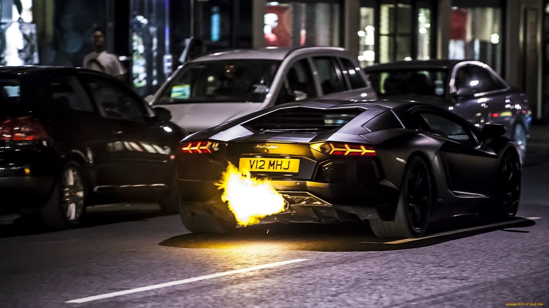 Superieur Flaming Aventador Very Batman Like