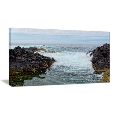 "DesignArt Splashing Waters to Mossy Rock Photographic Print on Wrapped Canvas Size: 16"" H x 32"" W x 1"" D"