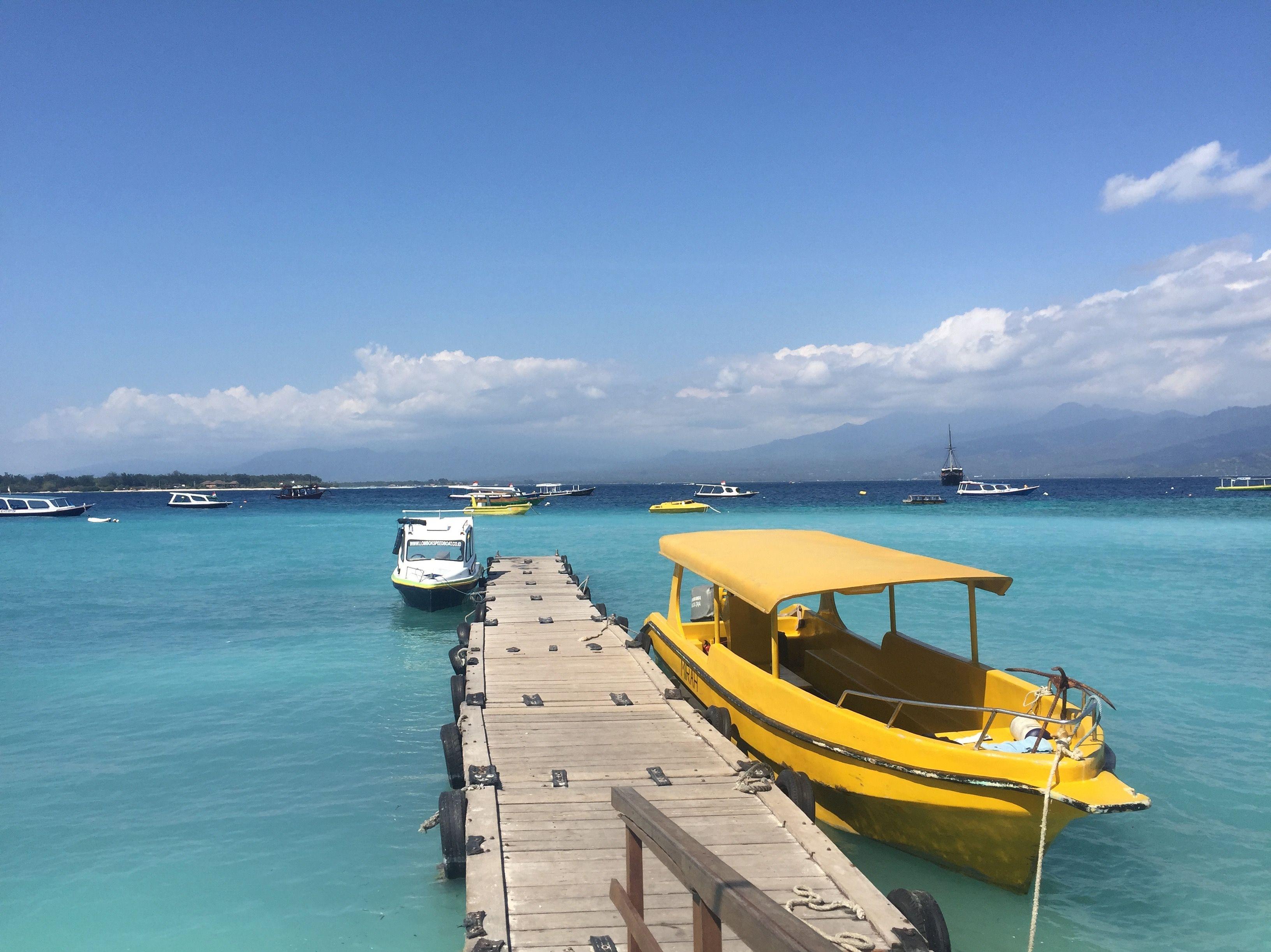 #gili #lombok #bali #indonesia #island #gilitrawangan #beach #travel #sea #gilimeno #love #holiday #trip #nature #snorkeling #boat #ocean #diving #gilit #traveling #giliislands #culture #art #nusapenida #ig #indotravellers #vacation #indo #repost #bhfyp