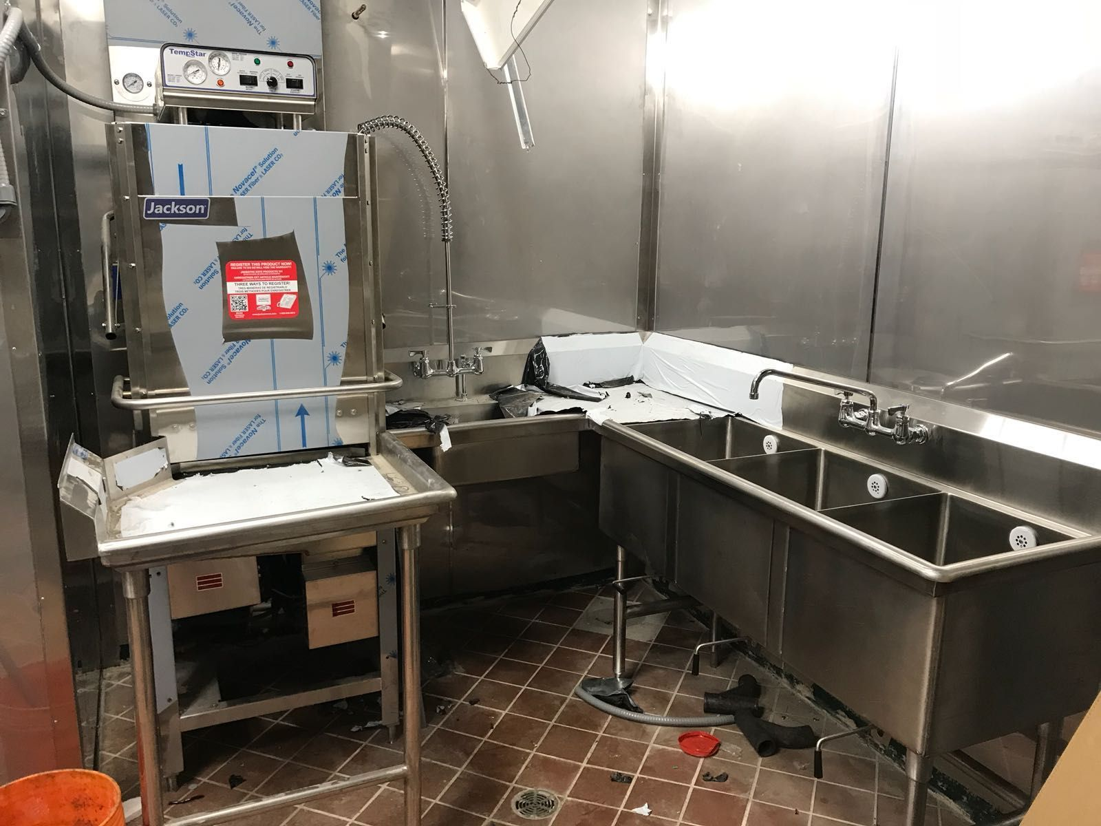 A Jackson Dishwasher And A 3 Compartment Sink Https Www Culinarydepotinc Com Commercial Si Commercial Kitchen Equipment Restaurant Equipment Commercial Sink