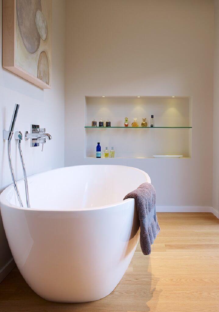 Badezimmer Ideen Modern Mit Freistehender Badewanne   Interior Design Haus  Crichton Baufritz Fertighaus   HausbauDirekt.