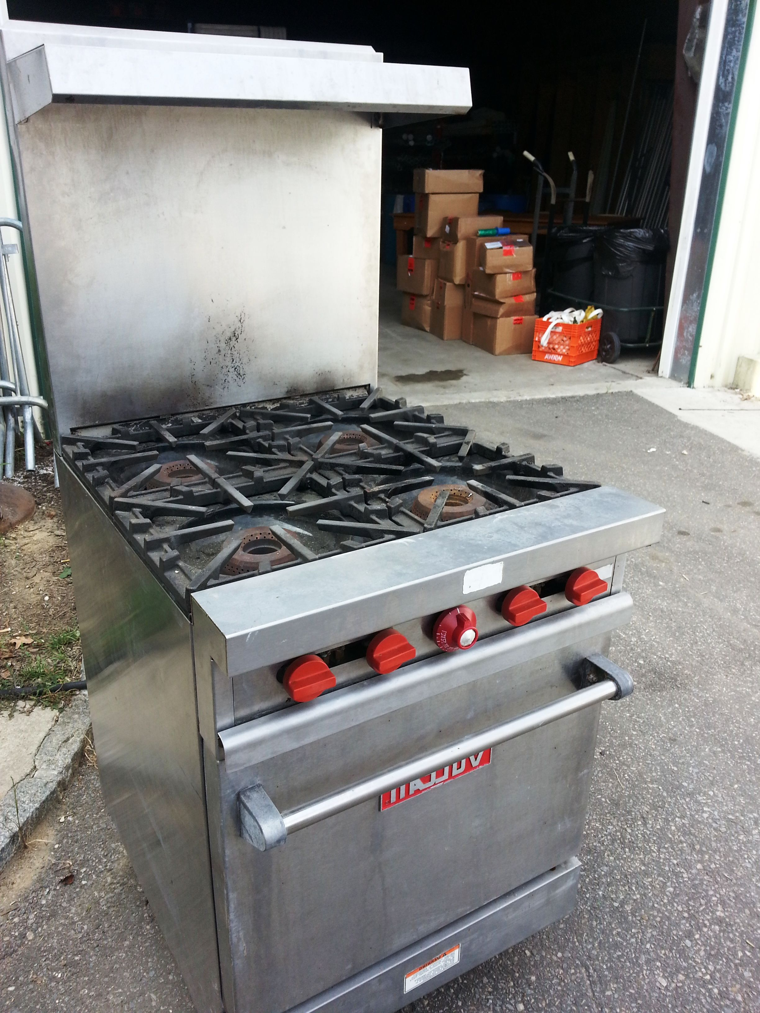 4 Burner Propane Stove with Oven for rent. Catering