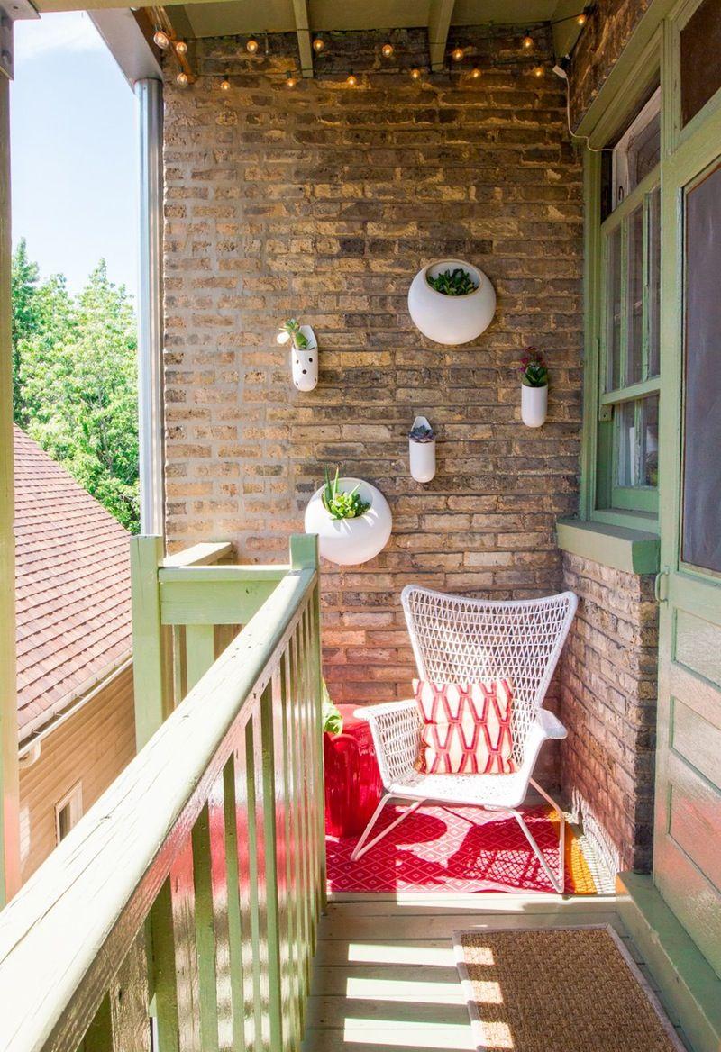 9 Outdoor Living Spaces To Inspire Your Next Summer Project Diseno De Balcon Decoracion De Terrazas Pequenas Casas De Famosos