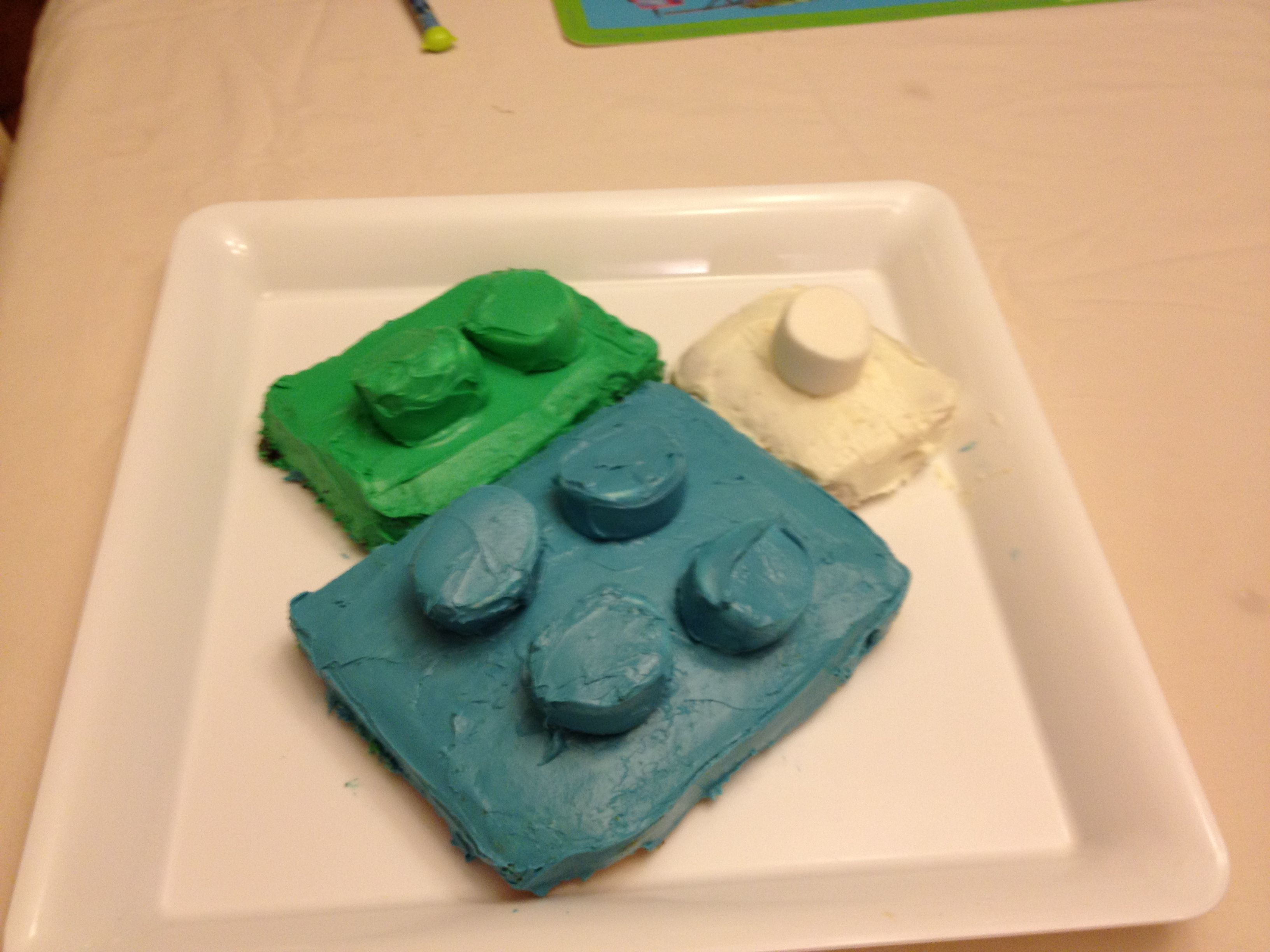 My attempt at a Lego cake!