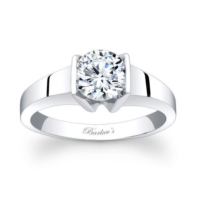 Solitaire Engagement Ring 7823LW Stunning bold styling this