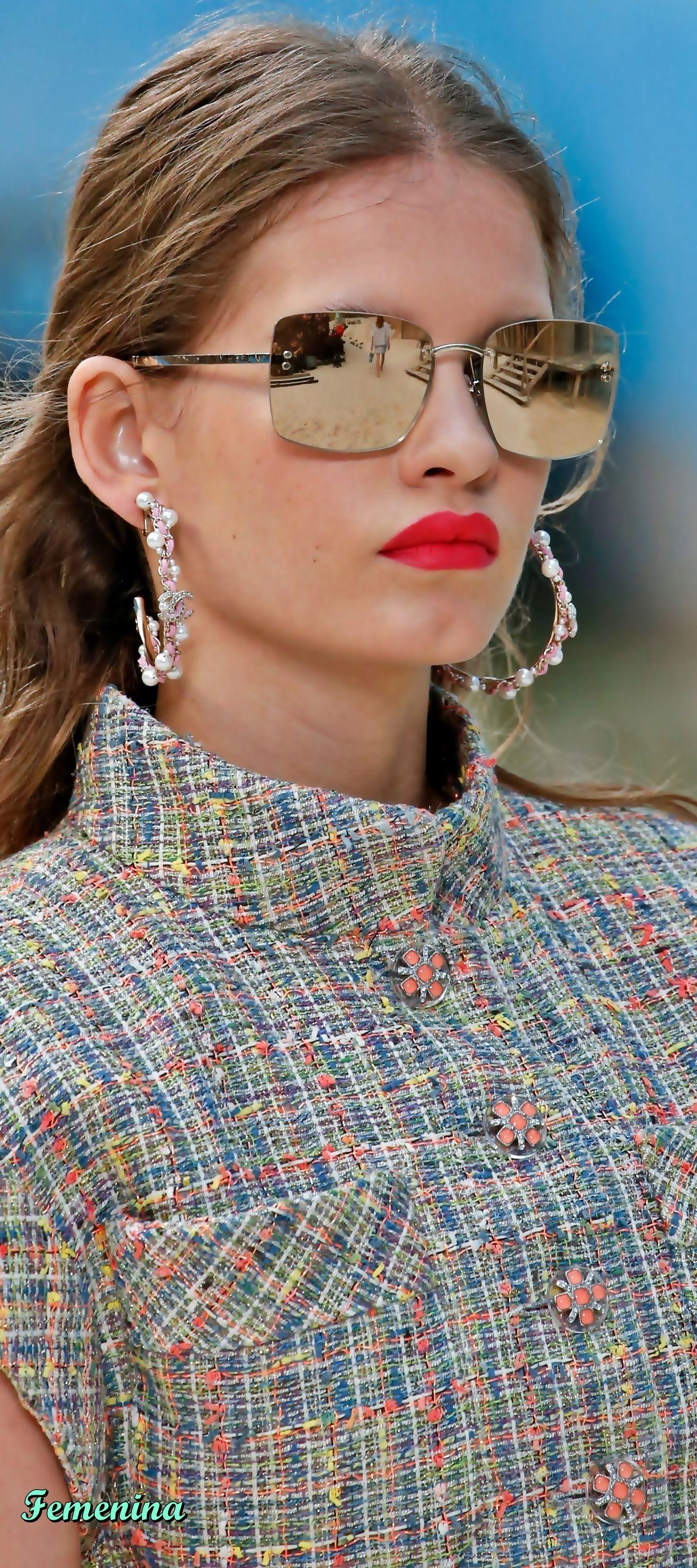 0c829ba5d90e Chanel Spring Summer 2019 RTW -Details jewelry eyewear