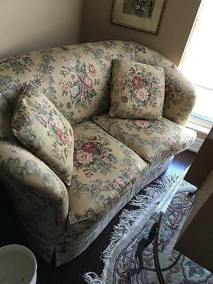 Antique Love Seat Couches Futons Mississauga L Region Kijiji