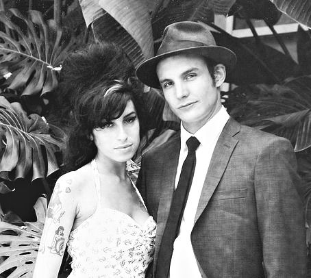 You Sent Me Flying Amy Winehouse And Blake Fielder Civil On Their Wedding Day 2007 Winehouse Amy Winehouse Style Amy Winehouse