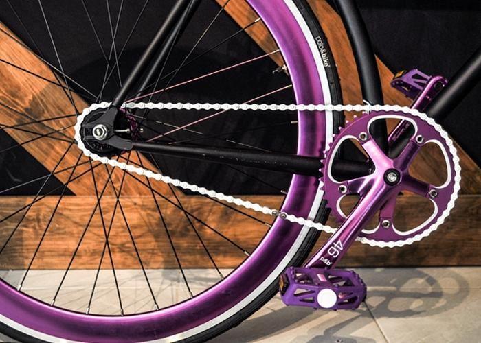 LYON Bike Boutique: Bicicleta Fixie Polo&Bike // NIGRA // Masa Flip-flop - Kichink!