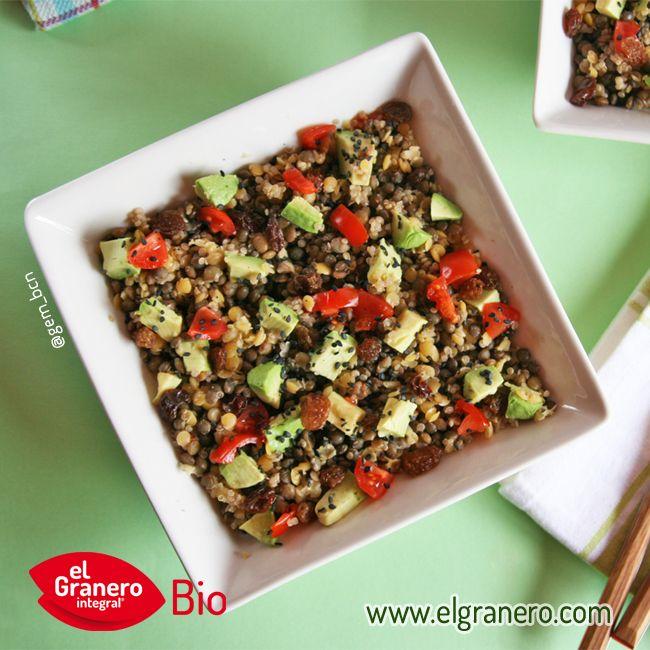 Ensalada de tres tipos de lentejas y quinoa. Haz click en la foto para ir a la receta.