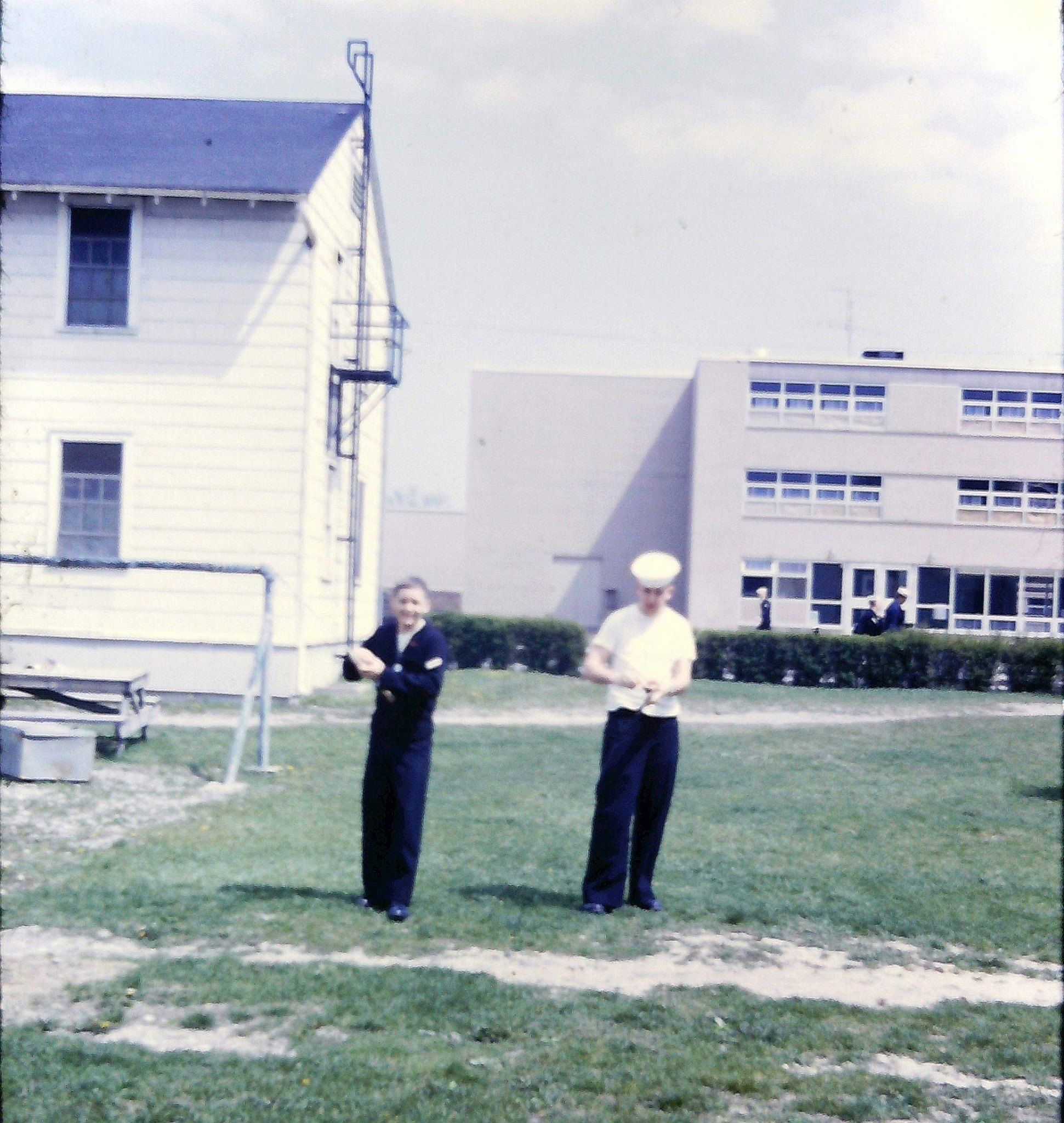 Basic Electricity Electronics School Naval Training Center Great Navy Courses Lakes In May 1968 Sa O