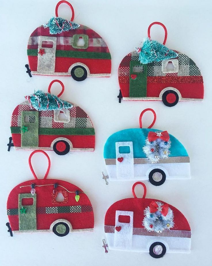 17+ Marvelous RV Campers Christmas Decorations Ideas