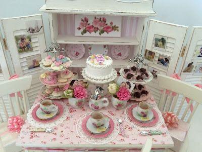 Dollhouse Miniatures By Roxanne Fern