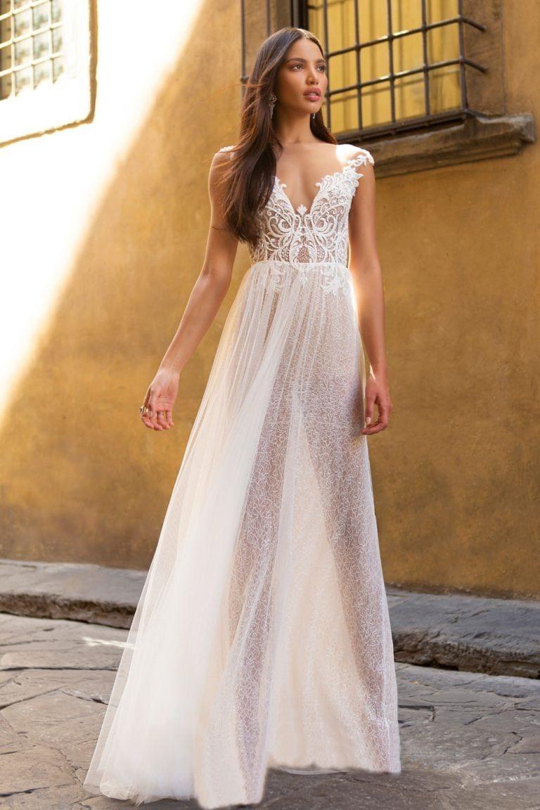 Muse By Berta Wedding Dresses Fall 2020 Dress For The Wedding Wedding Dresses Berta Wedding Dress Short Sleeve Wedding Dress [ 1152 x 768 Pixel ]