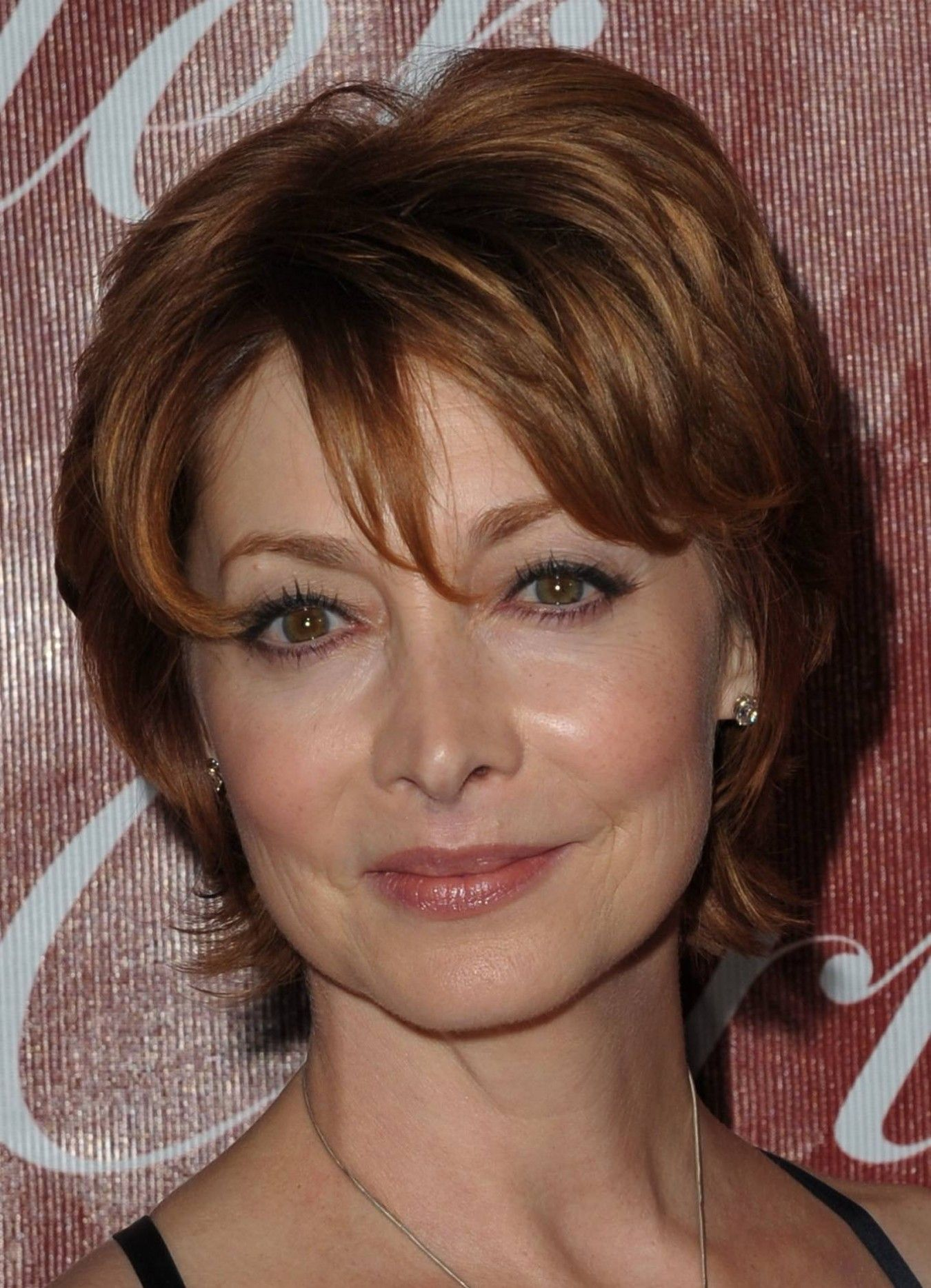 Short Hairstyles for Round Faces for Older Women e