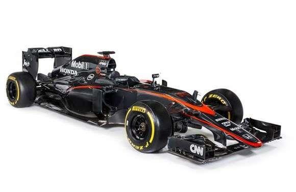A McLaren apresentou na manhã desta quarta-feira (6) a nova pintura do MP4-30. Confirmando rumores, o time de Woking deixou de lado o prateado e coloriu o bólido de Fernando Alonso e Jenson Button com tons de cinza.  A mudança na coloração do bólido marca o fim de uma era. Desde 1997, quando deixou de lado o branco e vermelho utilizado durante as duas décadas de parceria com a Marlboro, a McLaren sempre apresentou layouts com a cor prateada._06 maio 2015