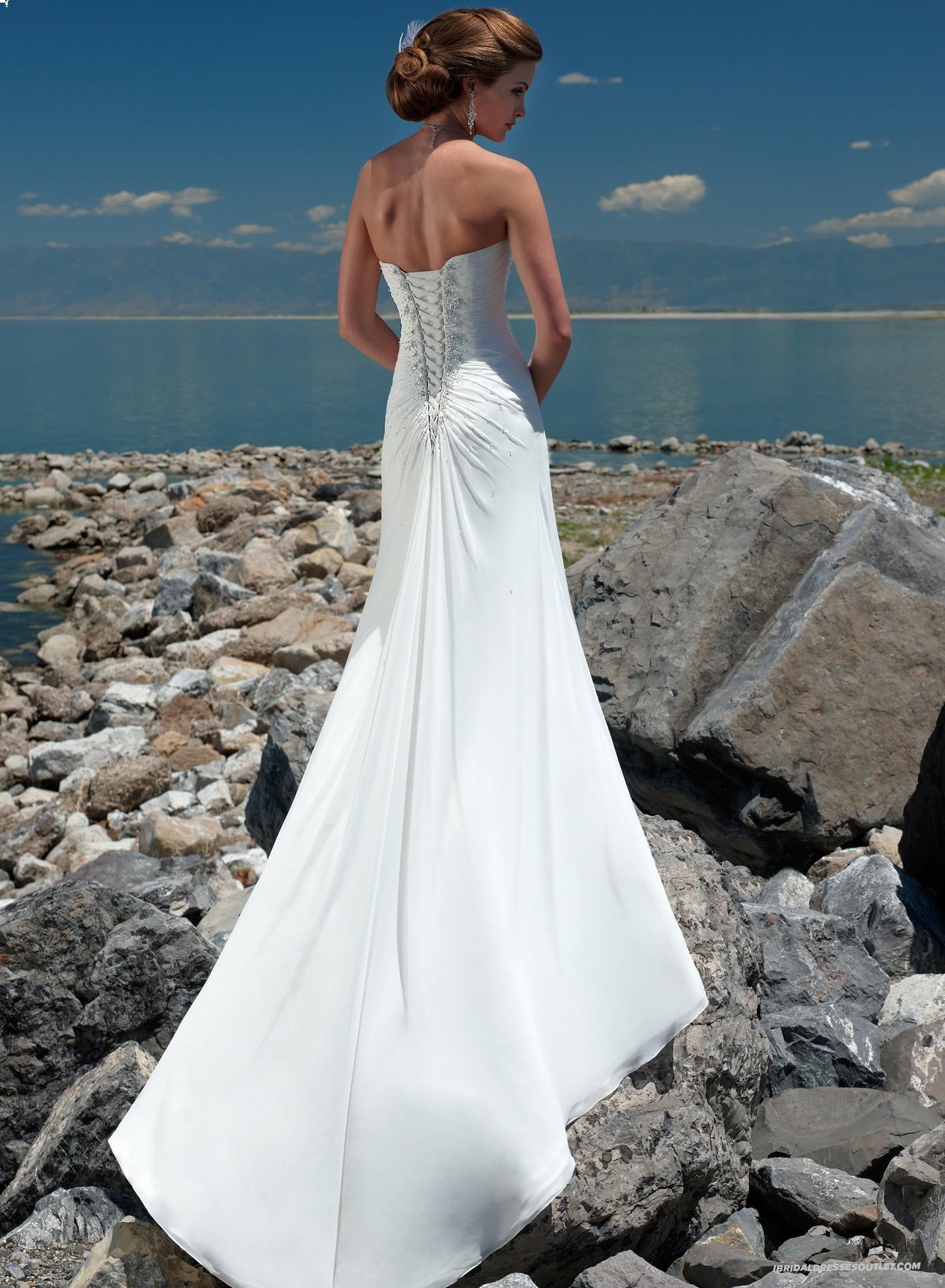 love this Chiffon wedding dress beach, Beach wedding dress