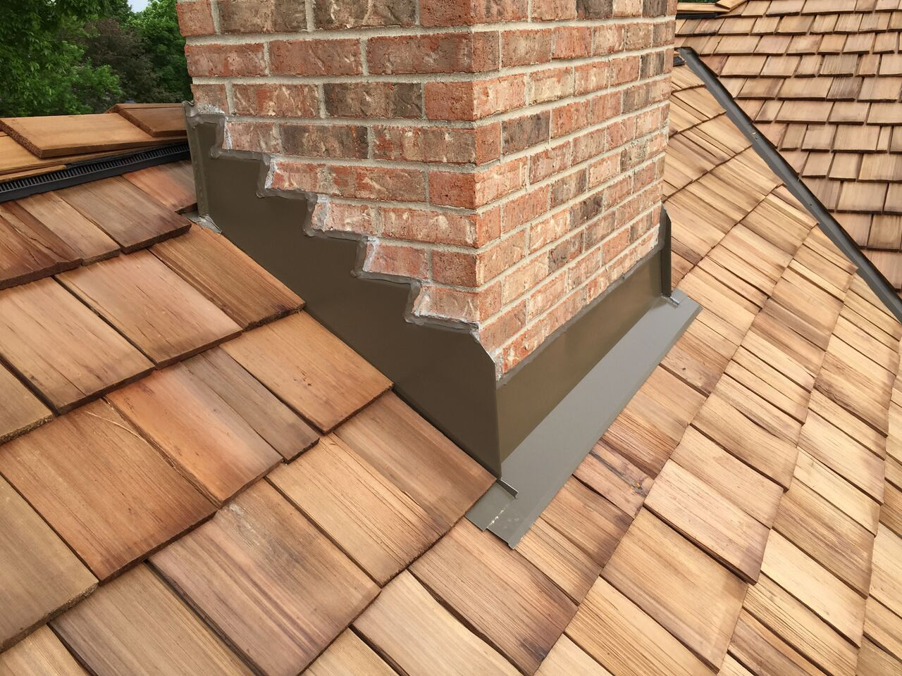 Cedar Roofing Installation Roof Replacement Cost Cedar Roof Ranch Style Homes