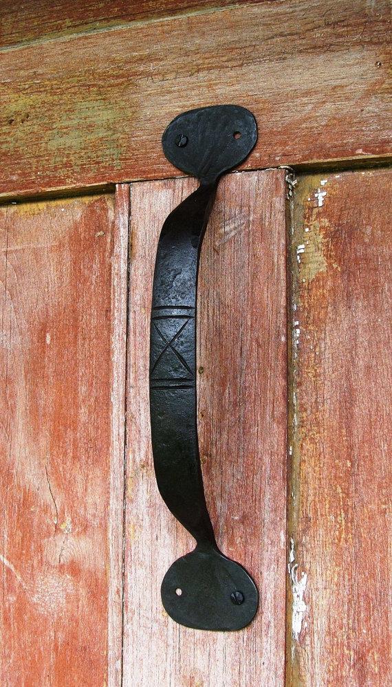 Wrought Iron Hand Forged Door Pull In 2020 Door Pulls Interior Barn Doors Wrought Iron Doors