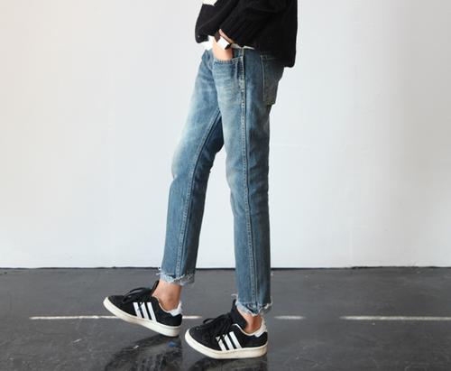 foto ((con   gioia}) pinterest adidas, caviglia, jeans e donna