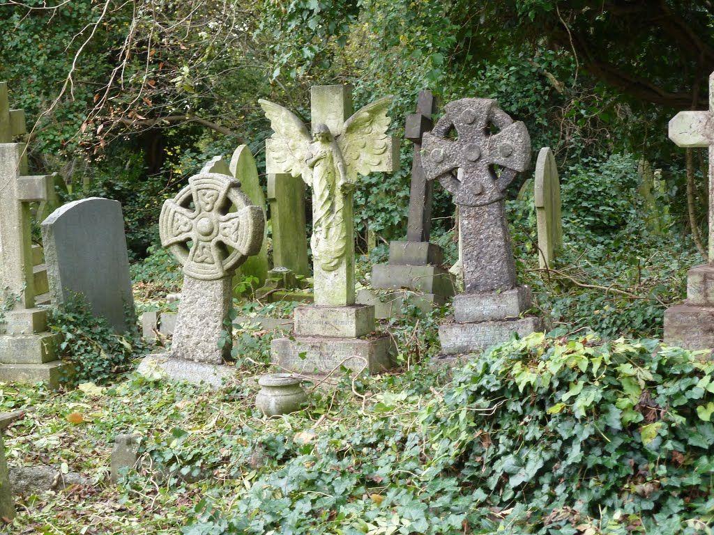 Highgate Cemetery, London N6 6PJ