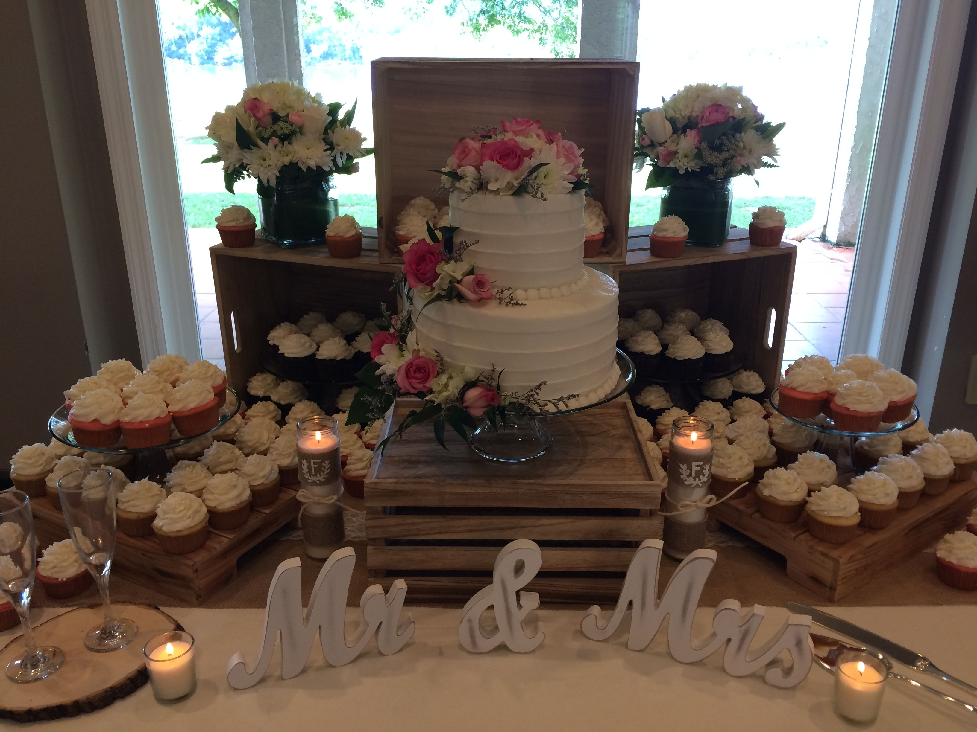 Wedding Cupcake Display With Images Wedding Cupcake Display