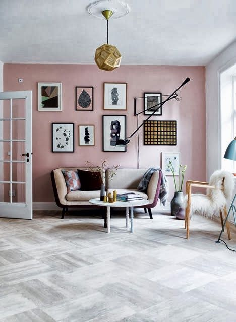Wohnzimmer In Rosé, Gold Und Grau.