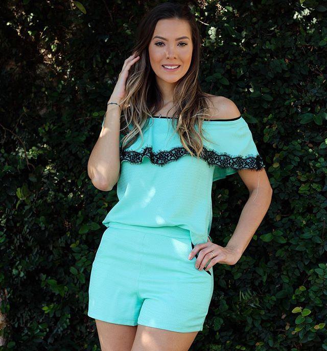 E começamos o dia com esse look perfeito!!!! E a cor??? Lindoooo 😍😍😍😍 #look #lookdodia #fashiongirl #lovely #amor #loveit #fashion #summer #amounicas #vemserunicas