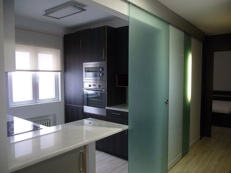 Resultado de imagen de reformas de pisos peque os antes y - Salon piso pequeno ...
