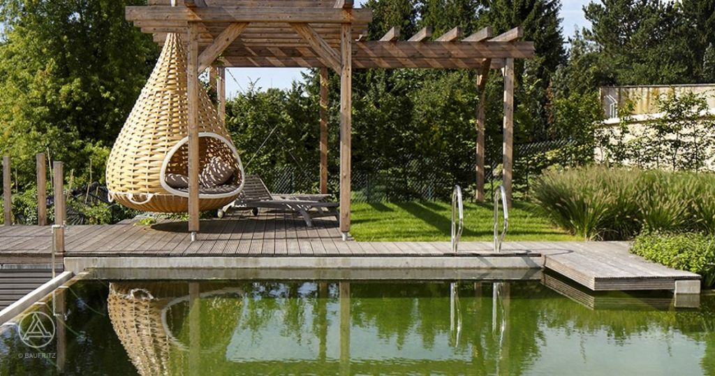 Traumhaus mit garten  Naturpool im Garten von Baufritz Haus | Teich | Pinterest ...